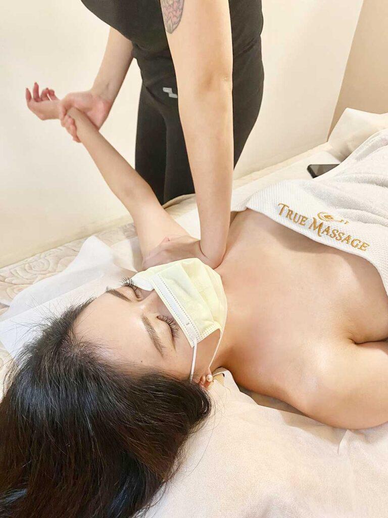 True Massage 各行各業之期貨超級業務員來按摩:頭部精油按摩客戶推薦分享